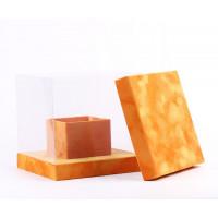 Бархатный куб с прозрачными стенками