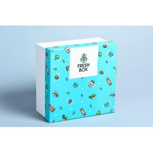 Коробка с принтом на крышке